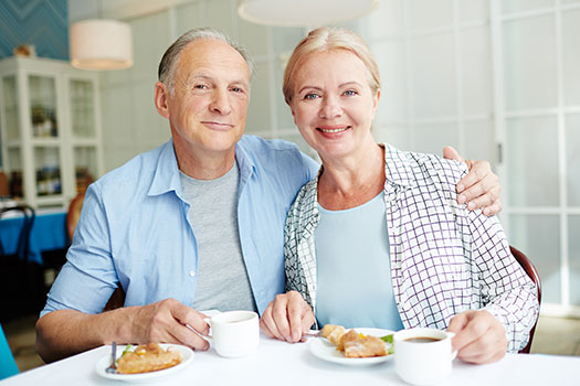 5 Tips on Providing Home Care to Your Elderly Spouse in Toronto, ON