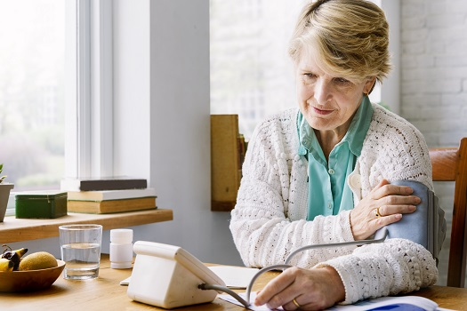 Tips for Lowering High Blood Pressure in Seniors in Toronto, ON