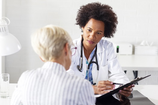 How to Help Your Senior Parent Prepare for a Doctor Visit in Toronto, ON